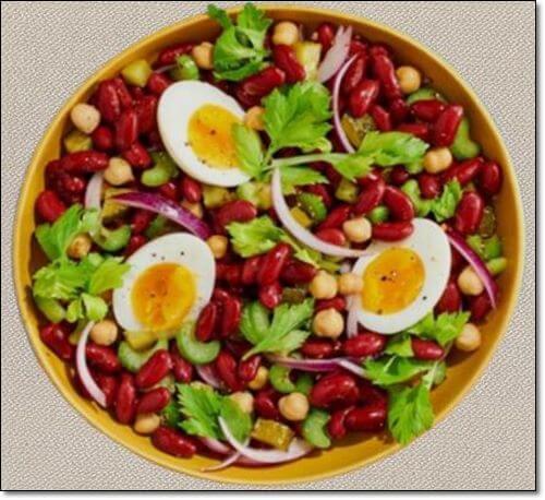 붉은 강낭콩과 계란