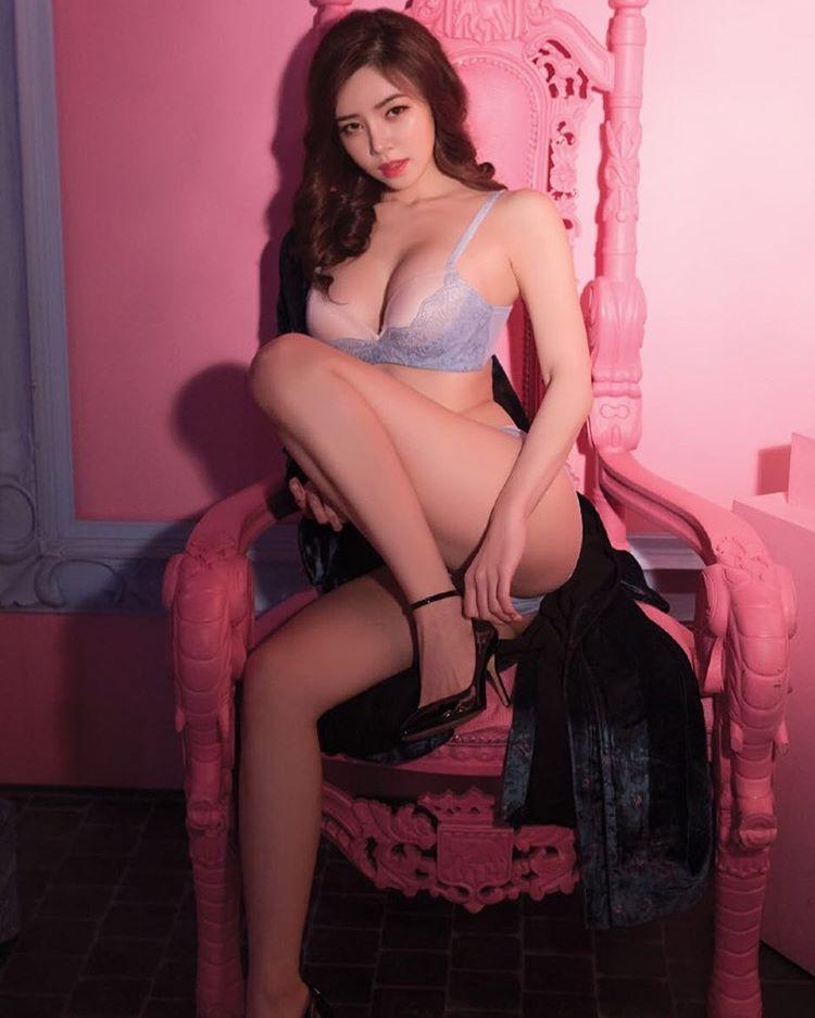 cool Korean girl - Lee Ye Lin