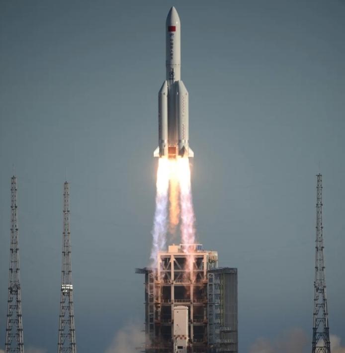 추락 중인 중국의 장정 5B 로켓의 현재 위치를 볼 수 있는 사이트