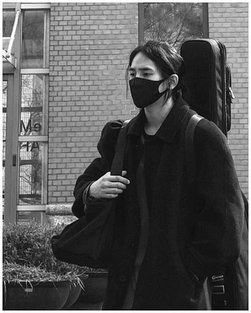 마스크쓴-육준서