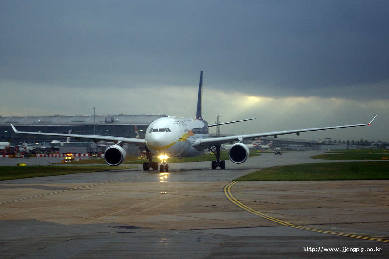 제트에어웨이즈 Jet Airways 9W JAI Unknown A330-200 Airbus A330-200 A332 런던 - 히드로 London - Heathrow 런던 England London LHR EGLL