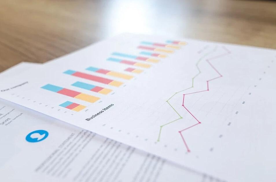 차트-그래프-종이여러장-보고서