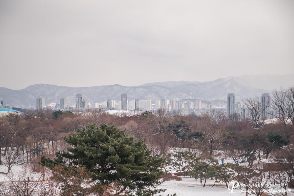 눈내린 올림픽공원과 설산