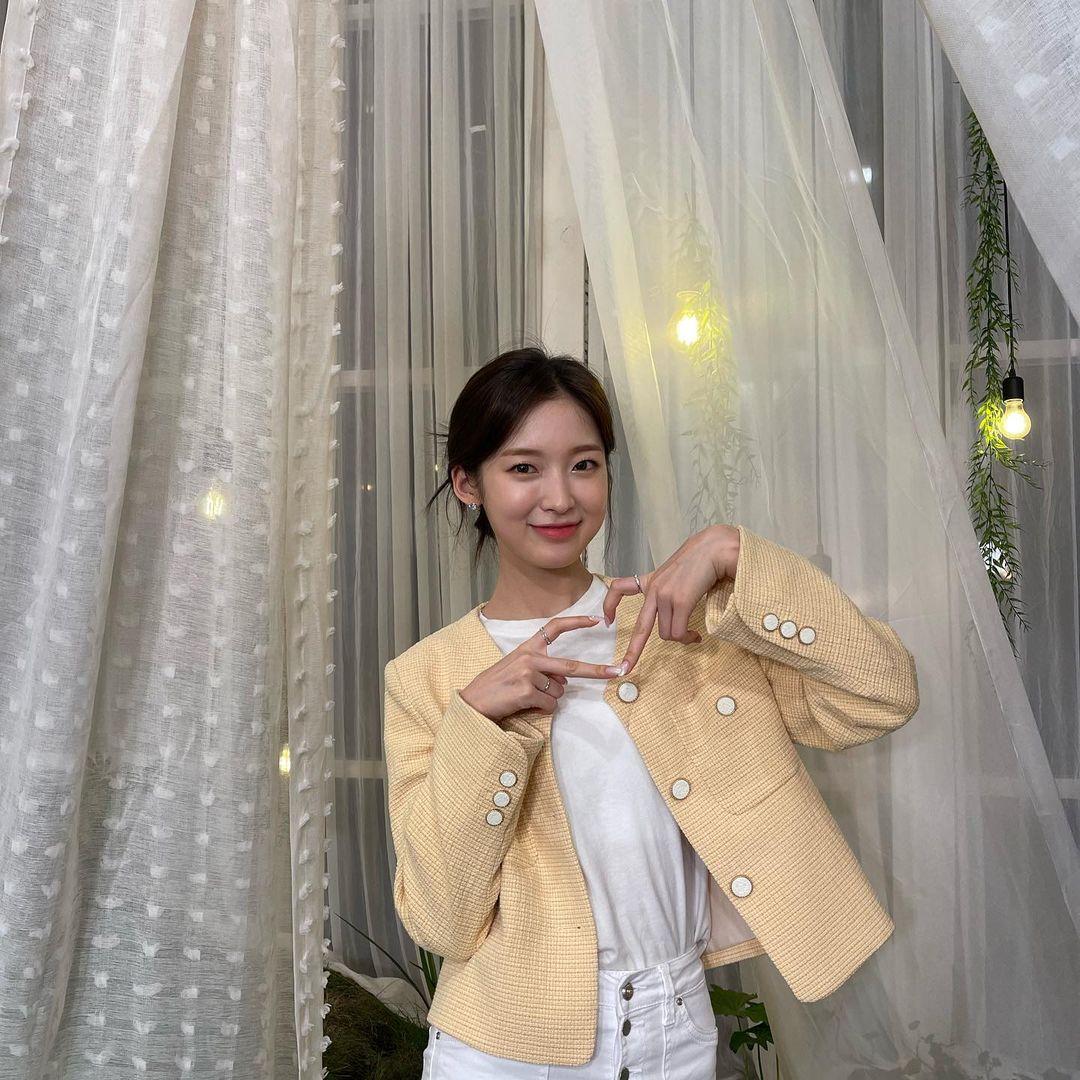 210421 데뷔 6주년 기념 라이브 오마이걸 미미 유아 승희 비니 아린 움짤