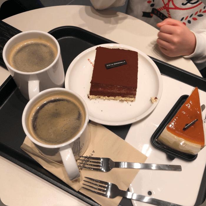 투썸플레이스-티라미슈-커피-모습