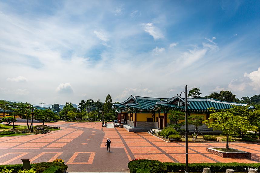 오죽헌 밖 광장