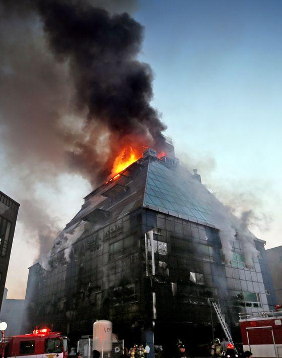 제천 스포츠센터 화재 사진