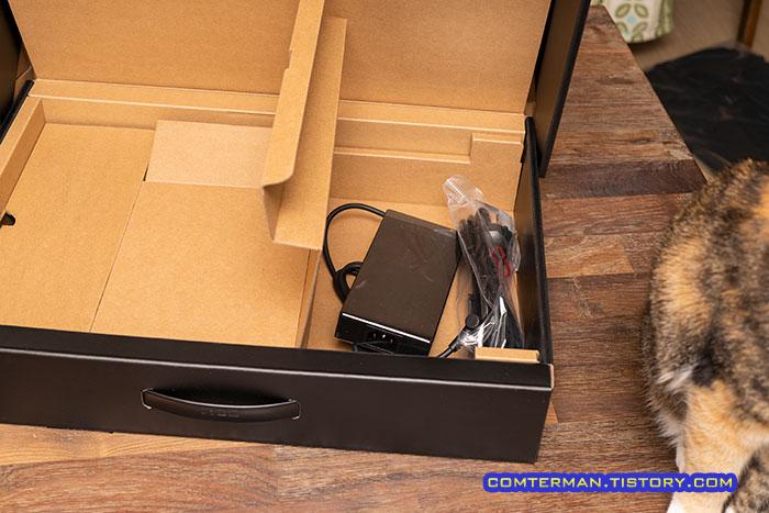 ROG Strix G17 G713QM 박스 포장
