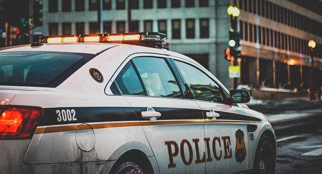 출동중인 경찰차
