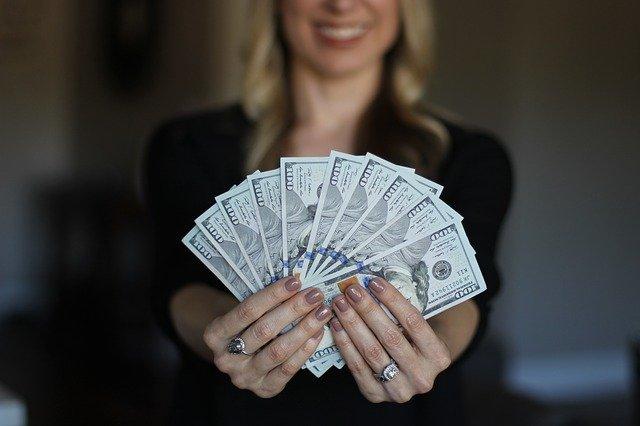 쉽게돈벌기 가 되려면 그 시간까지 버텨내야 하고 역량도 키워야 한다.