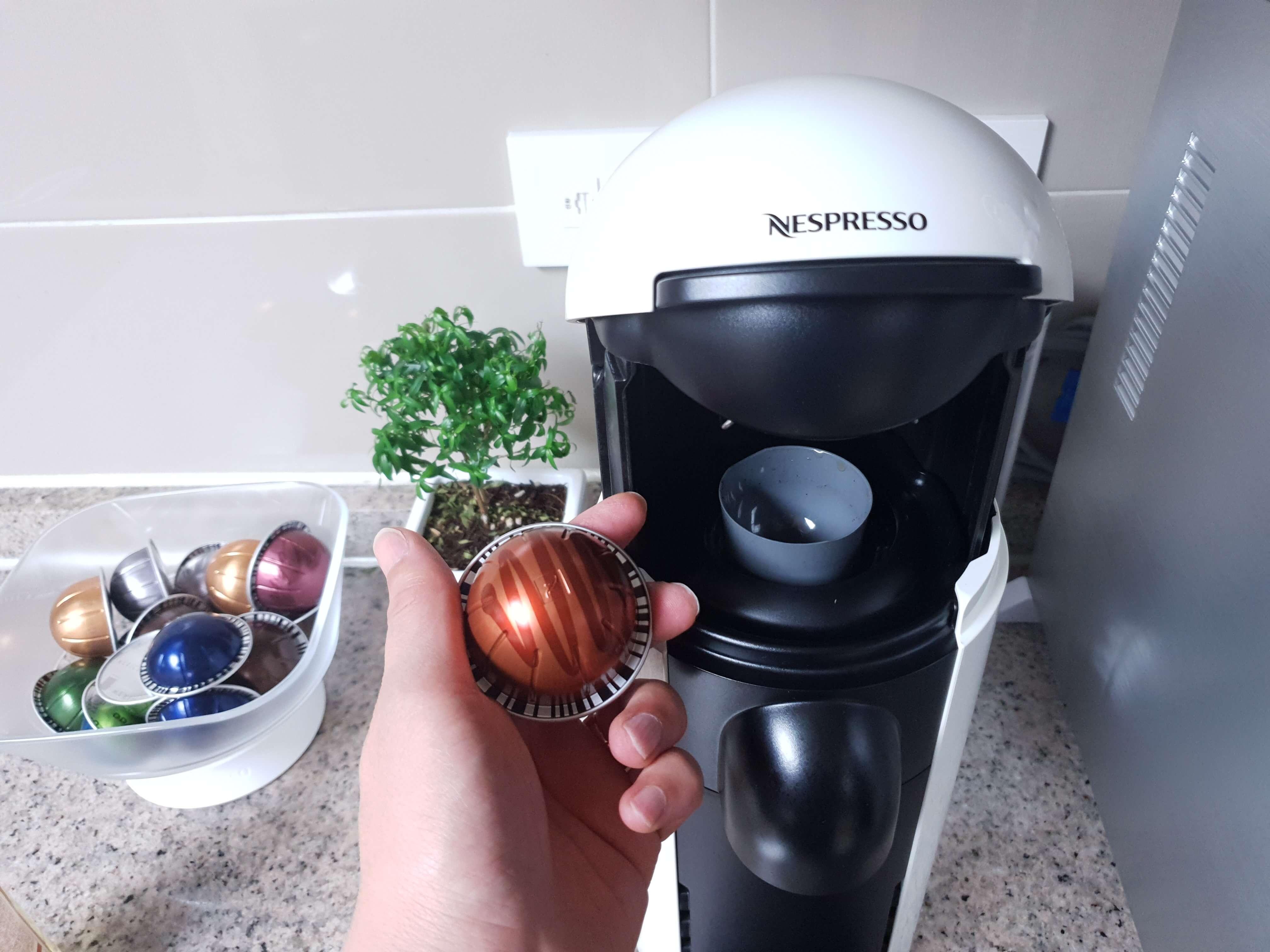 커피-캡슐-머신-버츄오-사진