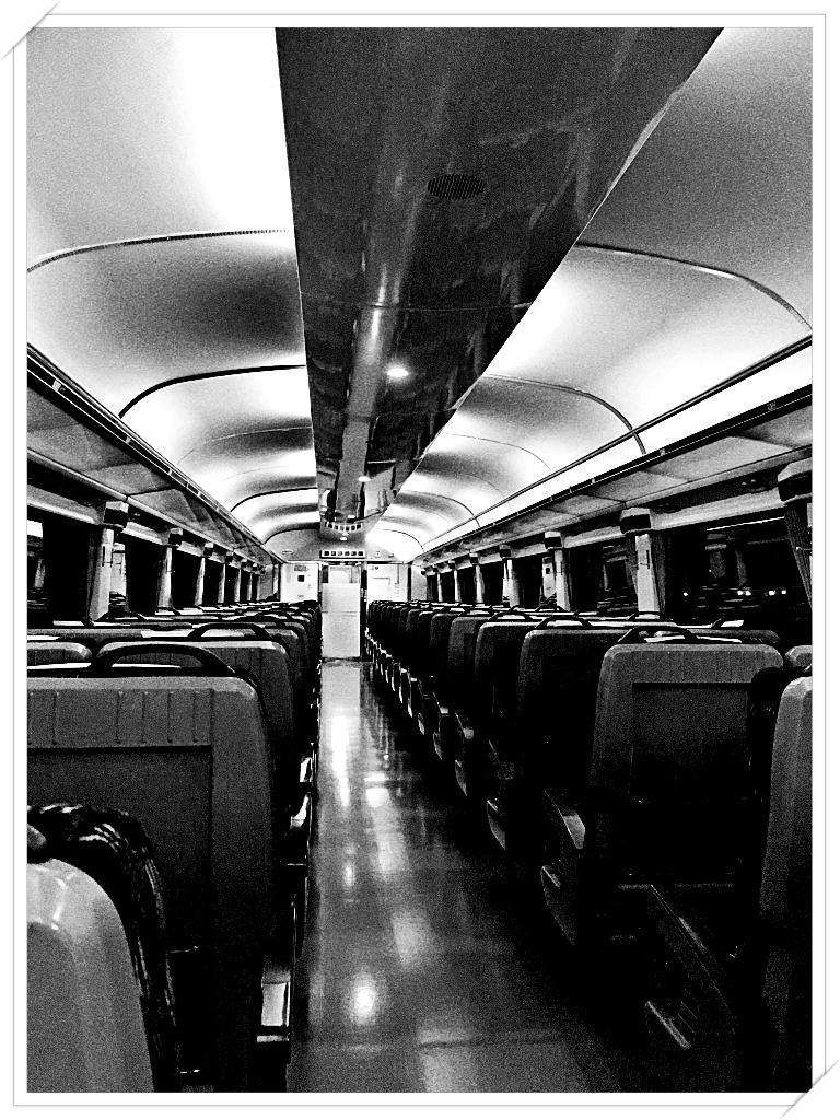 [旅] 밤 기차를 타고, 그리움과 함께, 밤의 터널을 지난다