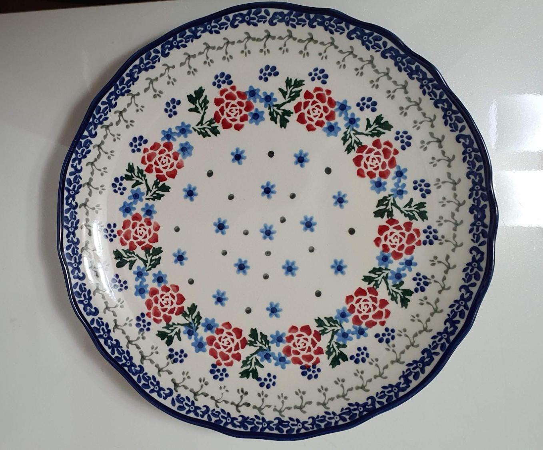 꽃모양의-패턴이-있는-접시