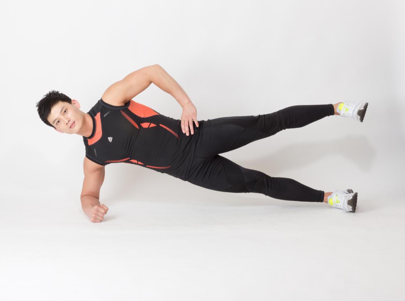 간단하지만 효과적인 4분 타바타 운동(측면부 코어 운동)
