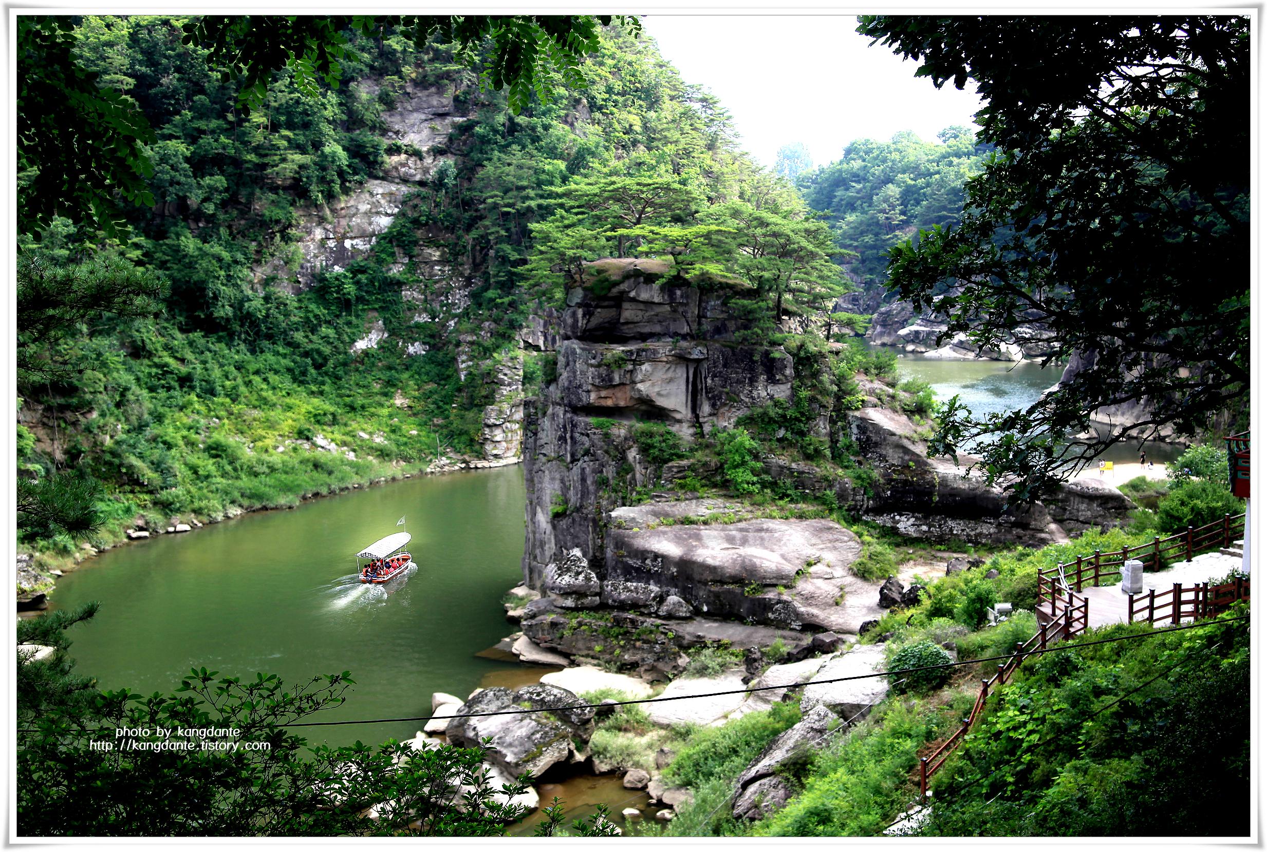 [한장의 사진] 한탄강 고석정(孤石亭)