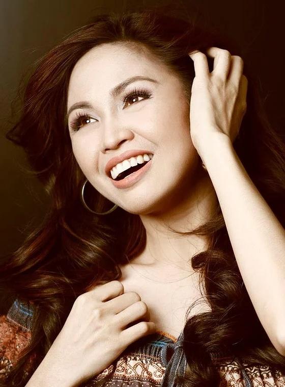 필리핀 가수 안젤라