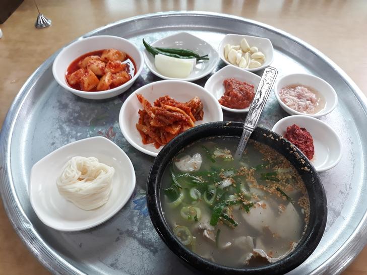 [밀양맛집]동부식육식당 - 맛은 기본, 양도 푸짐, 밀양식 돼지국밥 맛집