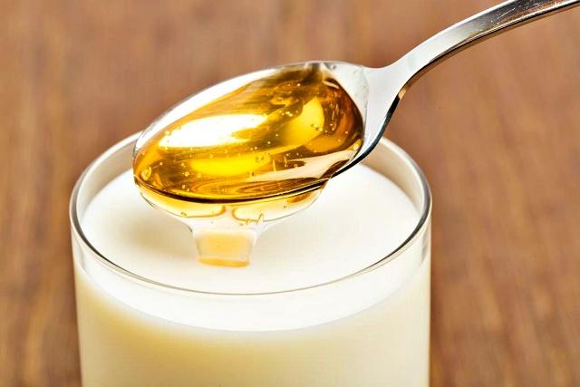 꿀 우유효능, 잠 잘오게 하는 방법, 잠 잘오는 음식, 멜라토닌 효능 음식, 트립토판 효능 음식, 열대야, 건강, 팁줌 매일꿀정보