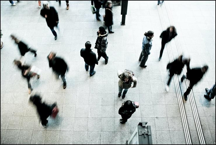 군중 심리 썸네일 이미지