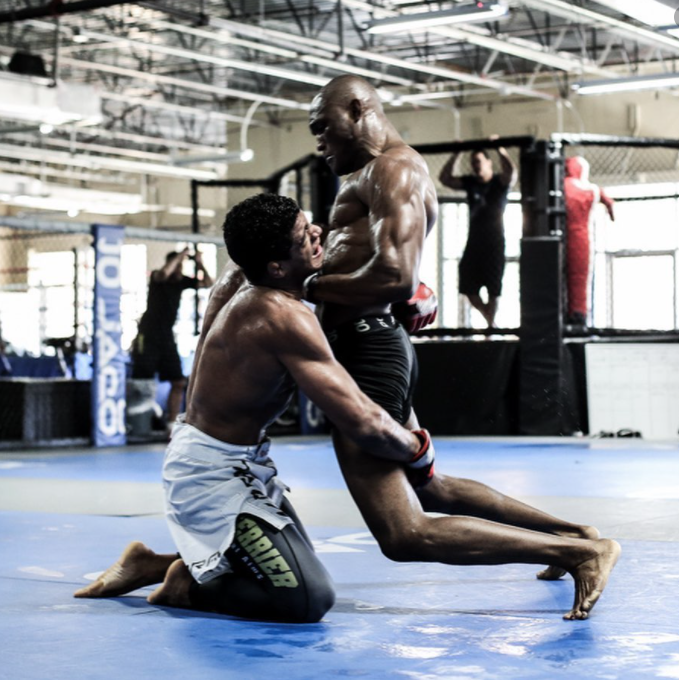 [UFC 인터뷰 소식]  길버트 번즈 : 난 카마루 우스만과 200번 이상 스파링을 했다.