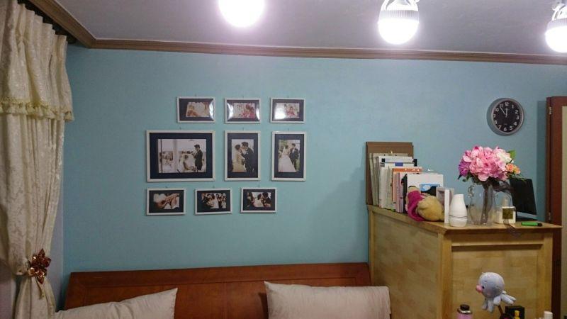 처음 페인팅했던 미루네 예전침실 체리색 침대헤드와 베이지색 가구가 초록색과 너무 대치되어 어울리지 않았던 침실