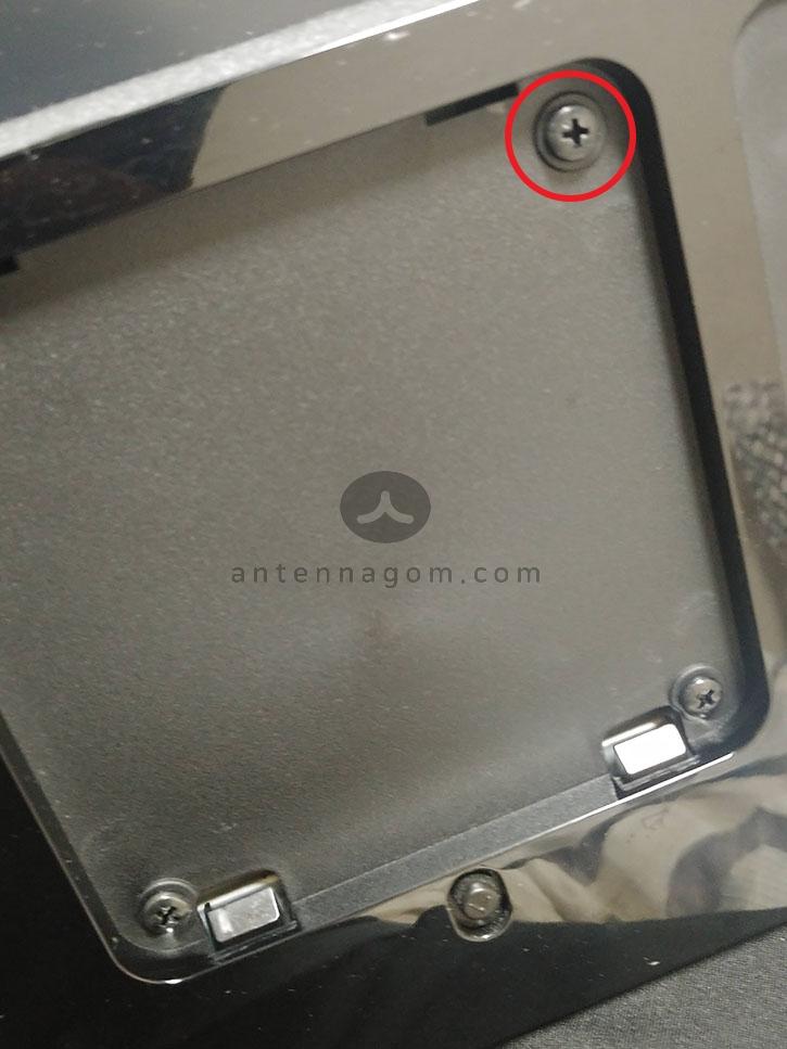 모니터암 사용시 베사홀이 안쪽으로 들어간 제품의 경우 나사 스페이스 사용하기
