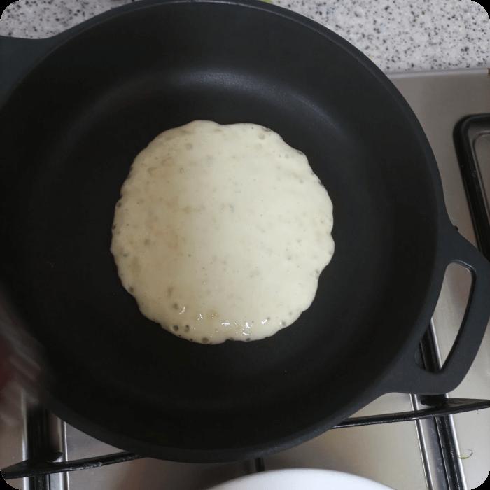 펜케이크-프라이팬-굽기-모습