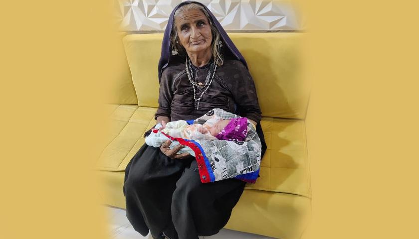 70세 인도 할머니 결혼 45만에 첫 아이 출산