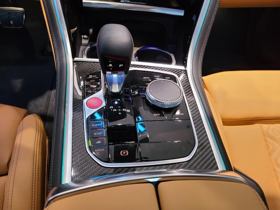 BMW M8 쿠페 컴페티션
