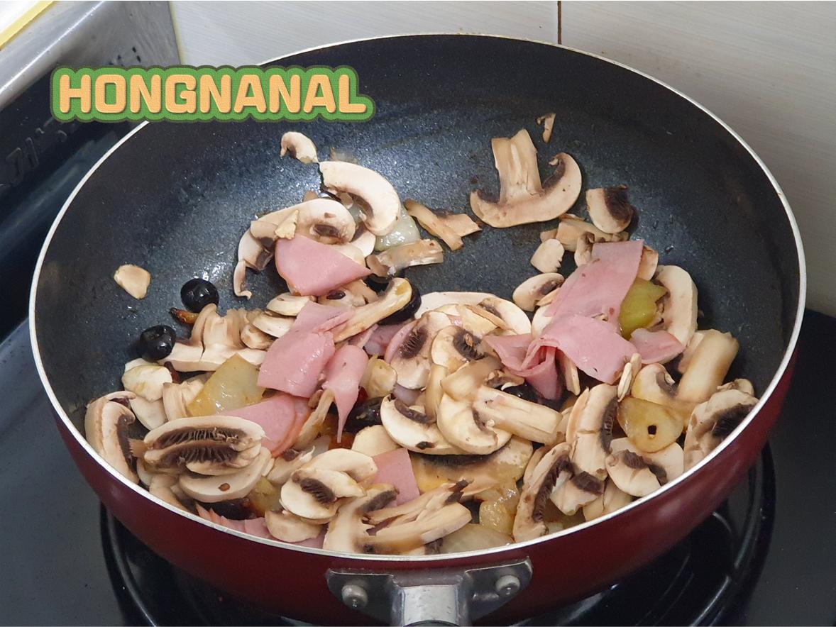 [투움바 파스타] 버섯, 슬라이스 햄 볶기 1
