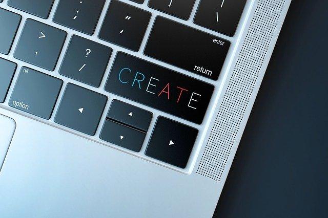컴퓨터 + 아이디어만 있으면 돈을 벌수 있는 시대가 되었다.