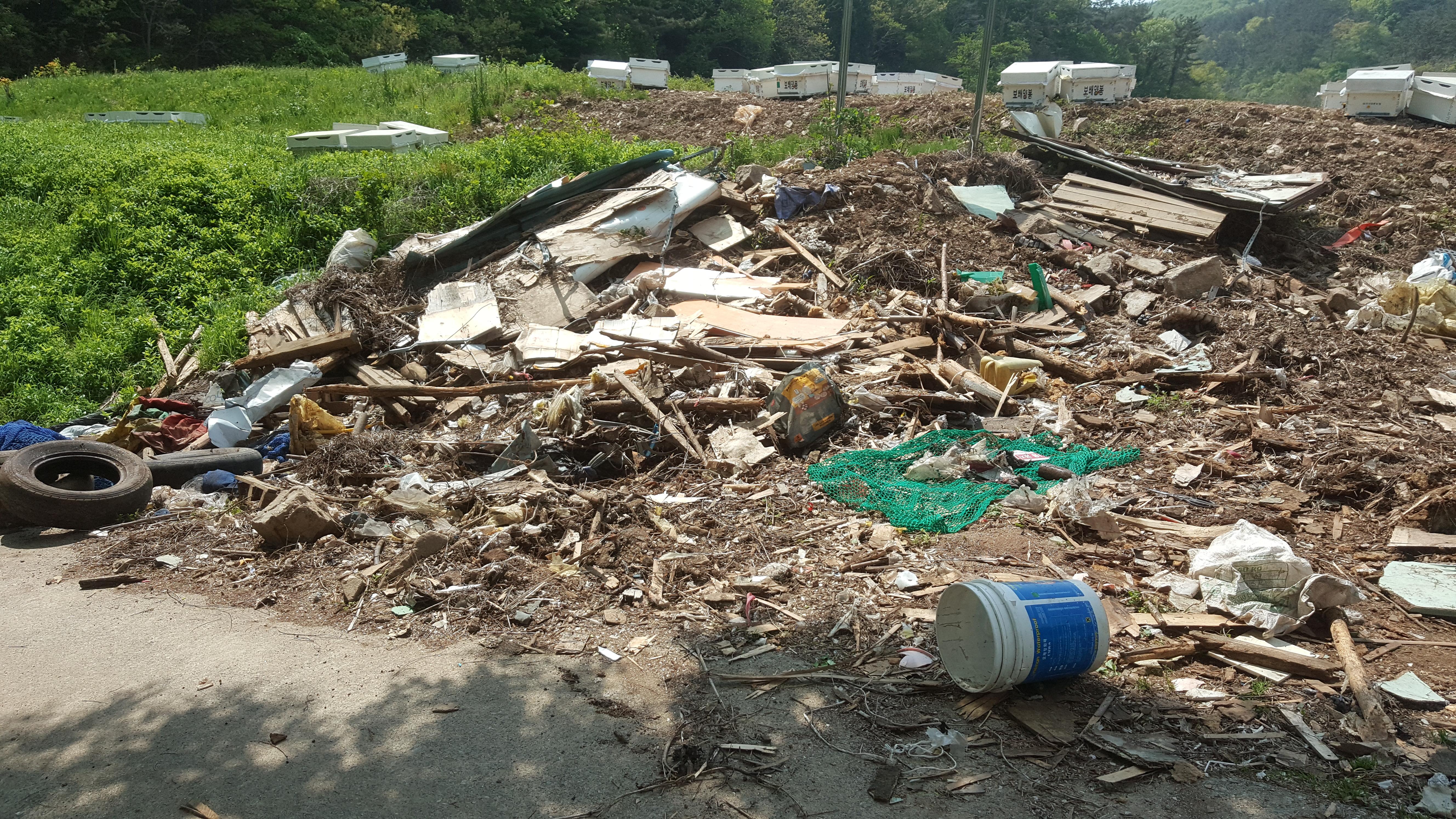 분리배출 안된 재활용 쓰레기