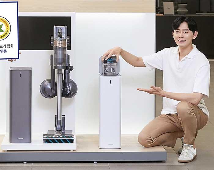처음 나온 자동 먼지 비움 기능 / 삼성 청정스테이션