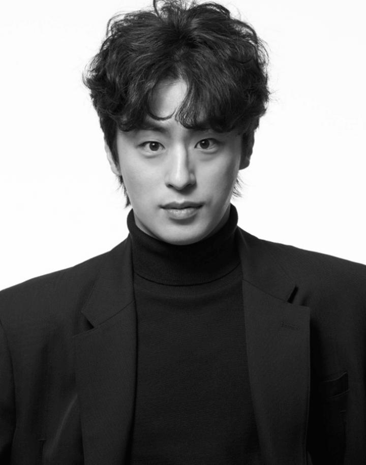 구교환 나이 프로필, 여자친구 이옥섭 감독 비하인드스토리