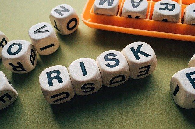 암호화폐에 투자하는것의 위험성에 대해 이야기 합니다.