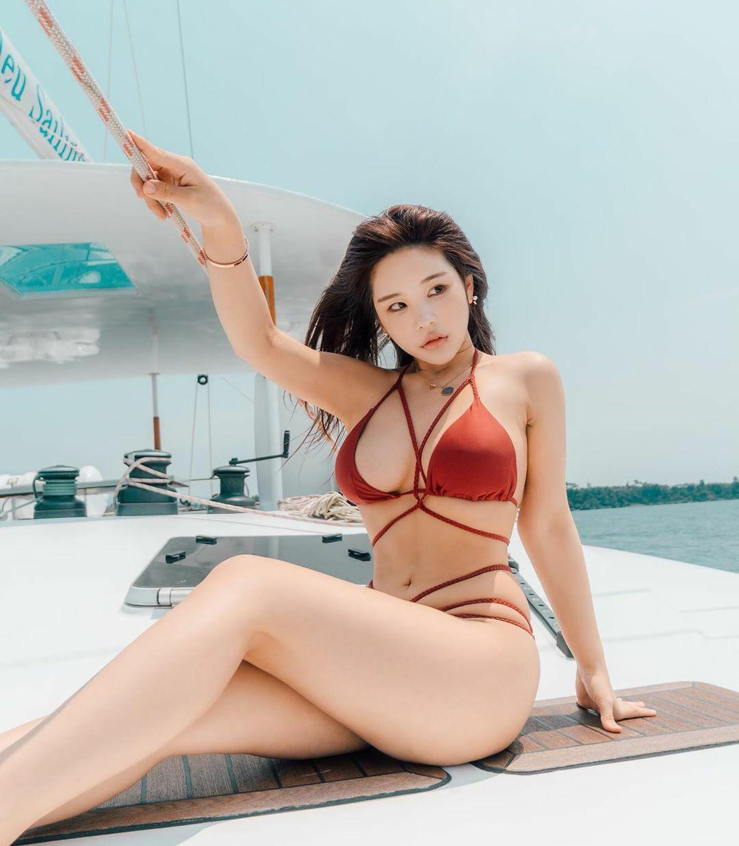 hot Korean glamour - zzyuri