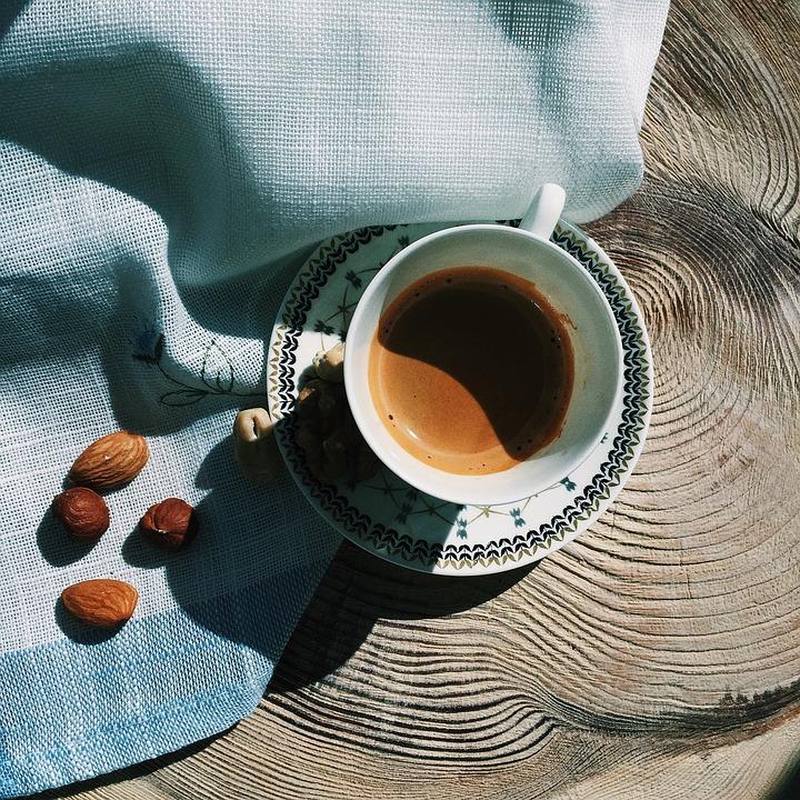 커피-이쁜카페