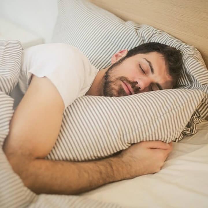 수면무호흡증-꿀잠자는남자