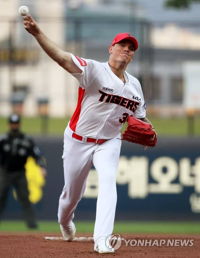 기아 LG에 3-8 패, 브룩스 패전, 황대인 대타 투런 홈런