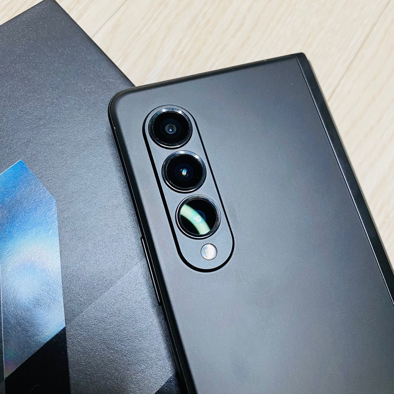 핸드폰뒤모습-카메라부분확대한모습