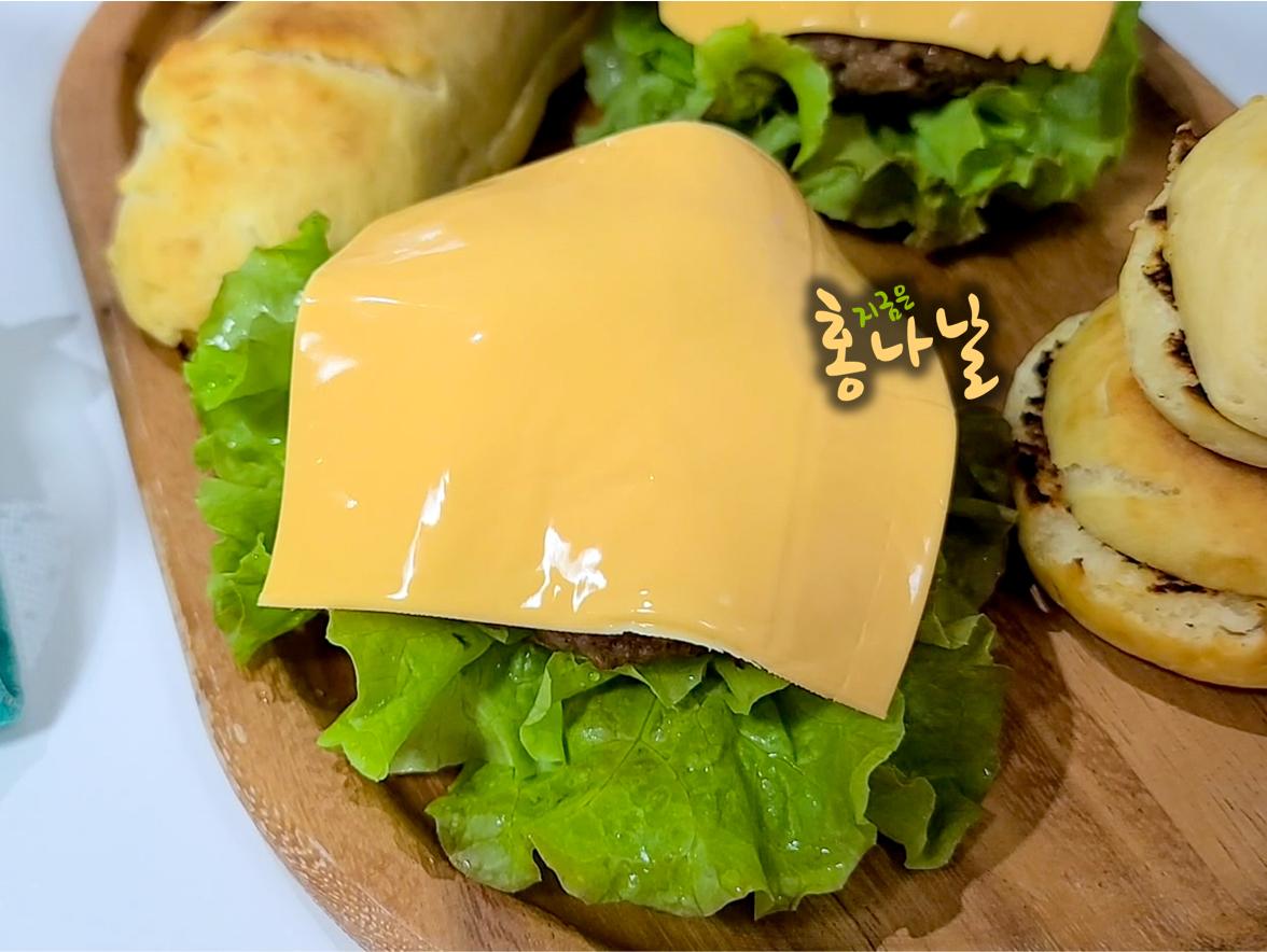 [햄버거] 슬라이스치즈 덮기