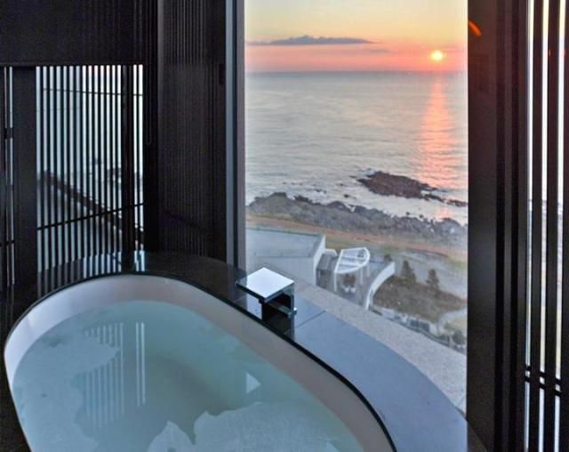 Busan-hilton-hotel-guestroom