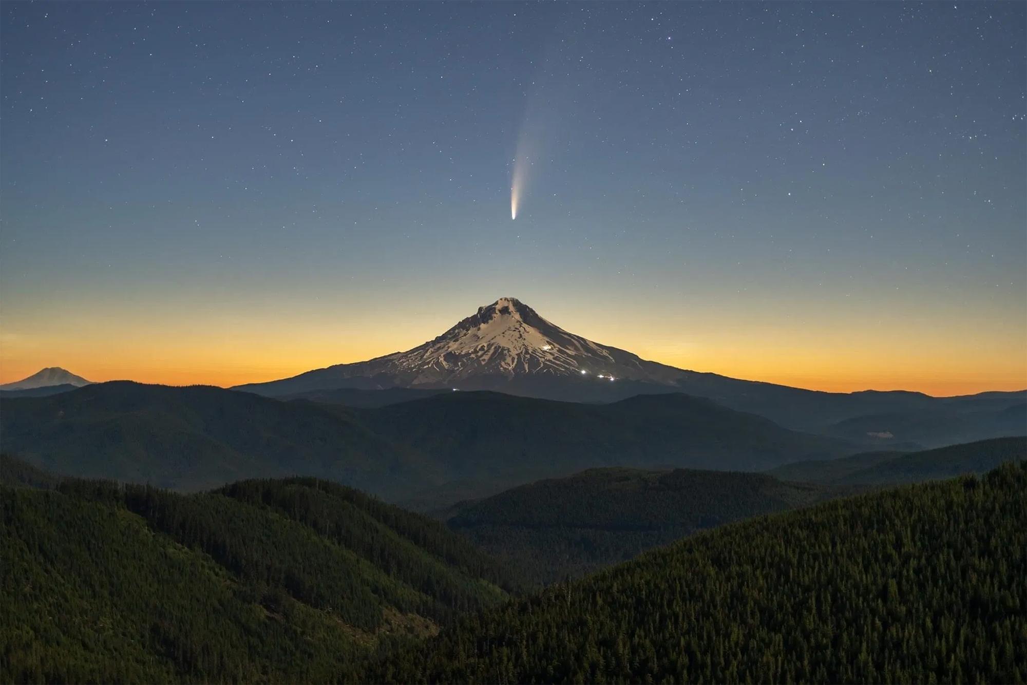 환상적인 네오와이즈 혜성을 담은 사진작가Lester Tsai