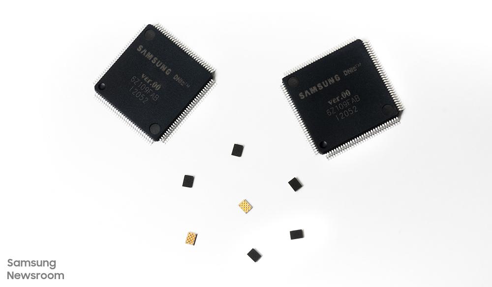 ▲ 삼성전자 미니 LED 구동 IC, LED 전류 구동 IC(S6LP441, 큰 제품)와 이를 관장하는 컨트롤러 IC(S6LDMB1, 작은 제품)