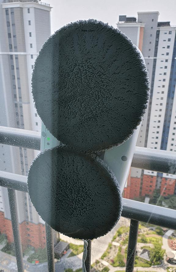 유리창_로봇청소기