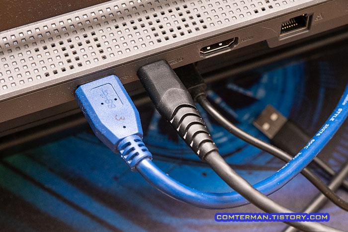 USB-C DP Alt 케이블 연결