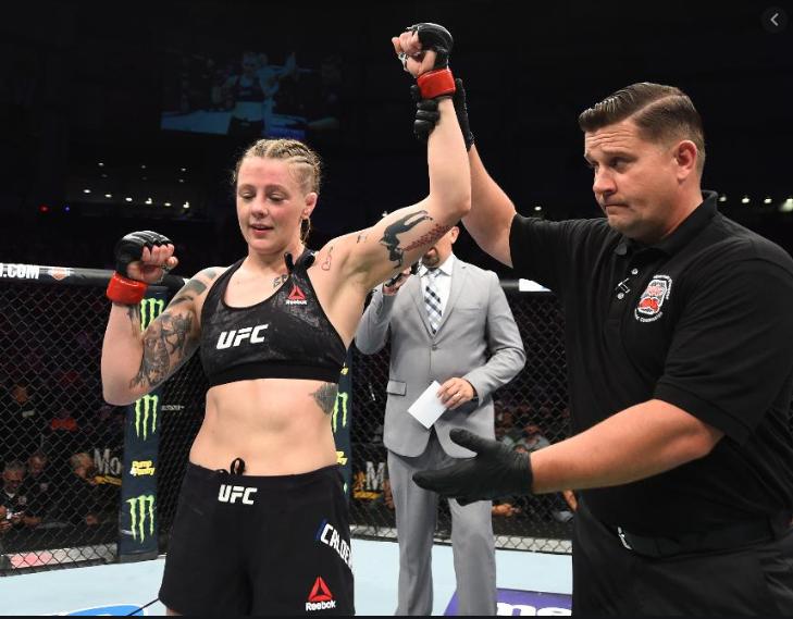 [UFC 매치업 뉴스] 조앤 칼더우드 비비아니 아라우조의 대체 선수로 제니퍼 마이아와 격돌