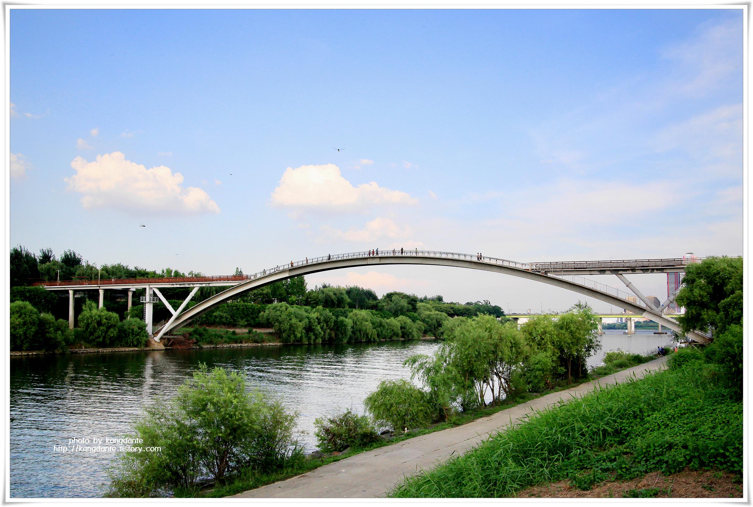 보행전용 아치형 구름다리, 선유교(仙遊橋)