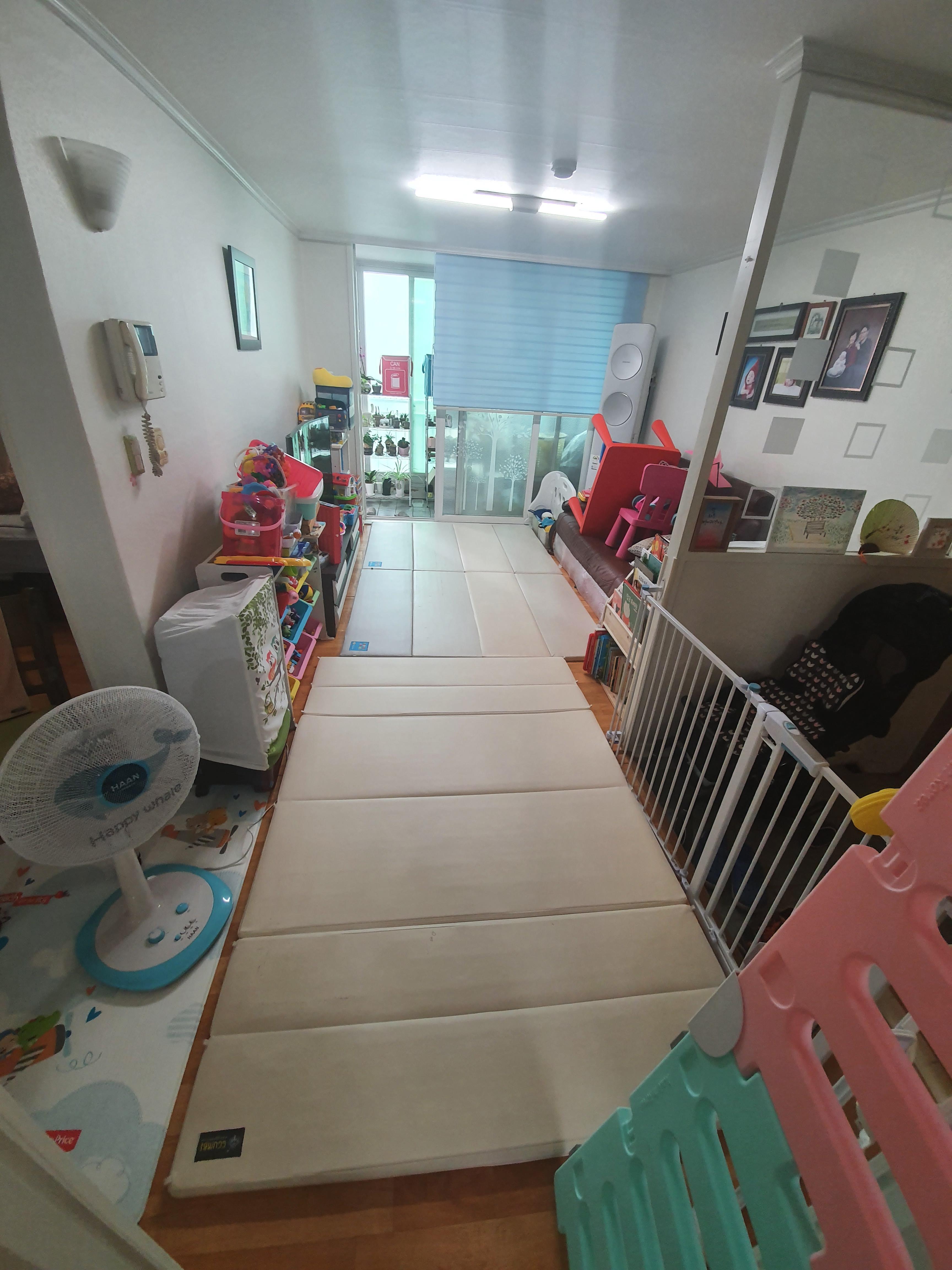 한달 반 만에 대청소 : 매트 다 올려놓고 유선청소기 돌리고, 대걸레 청소하기