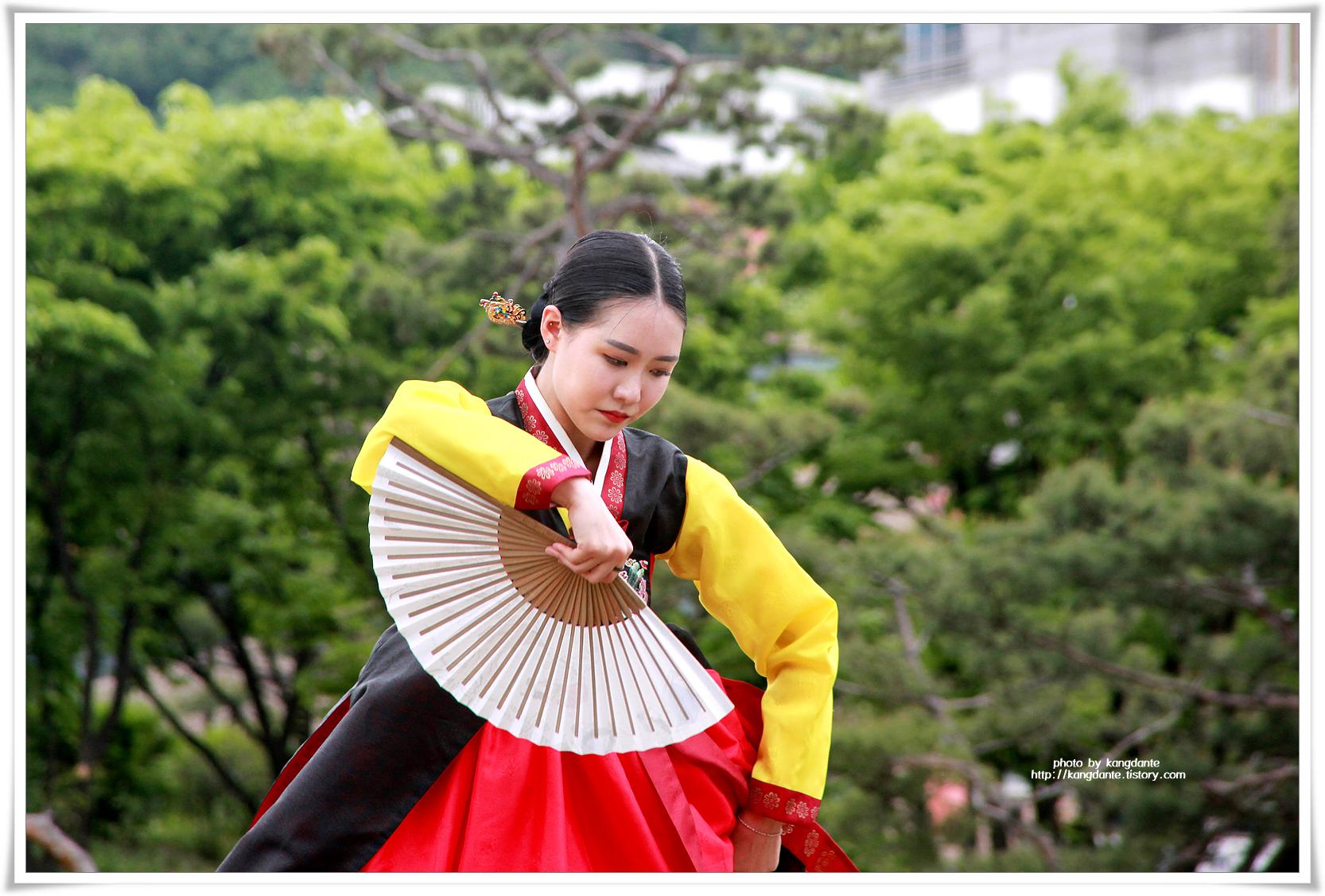 매혹적이고 싱그러운 미녀모델, 2019 서울신록사진촬영대회